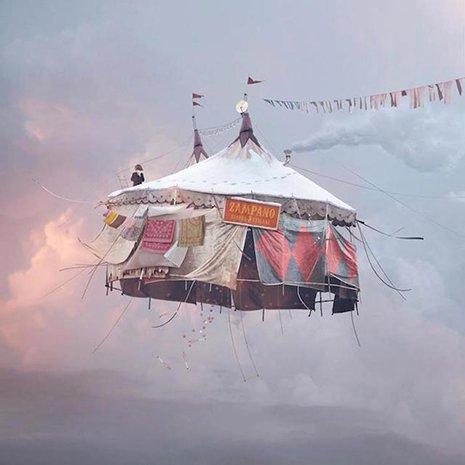 FlyingHouses3